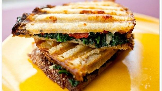 http://modinteriorsonline.com/wp-content/uploads/2014/03/Spinach-Panini-NYtimes-628x353.jpg