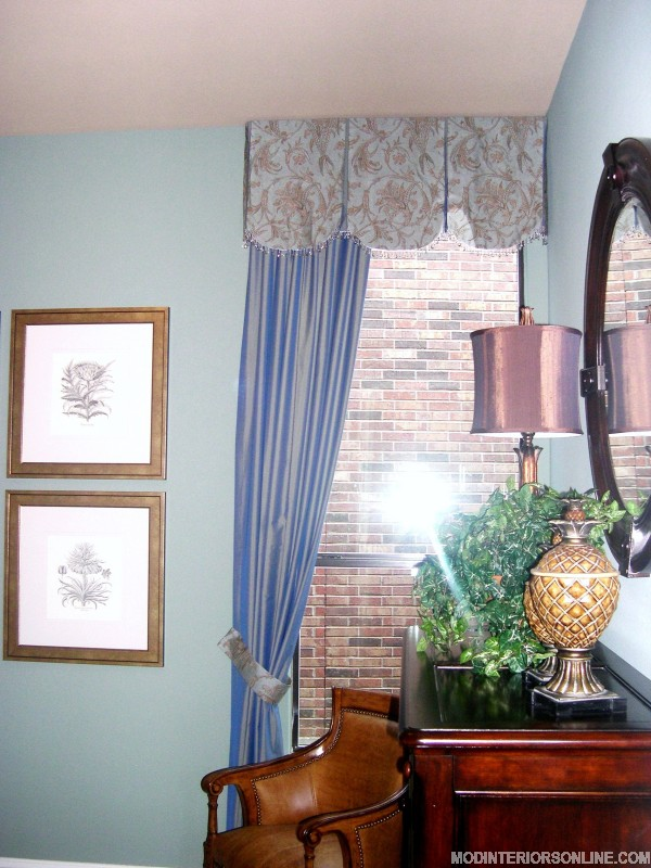 Seating_wood_floral_curtain_Panels_mirror_blue_brown_chocolate_windowtreatment_modinteriorsonline.com