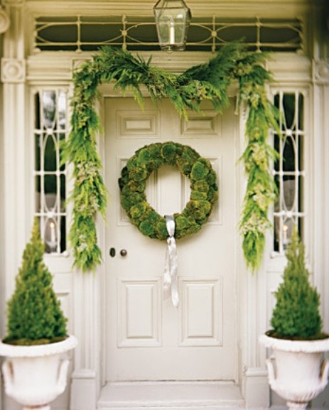 Holiday Decorating Ideas For Your Entryway