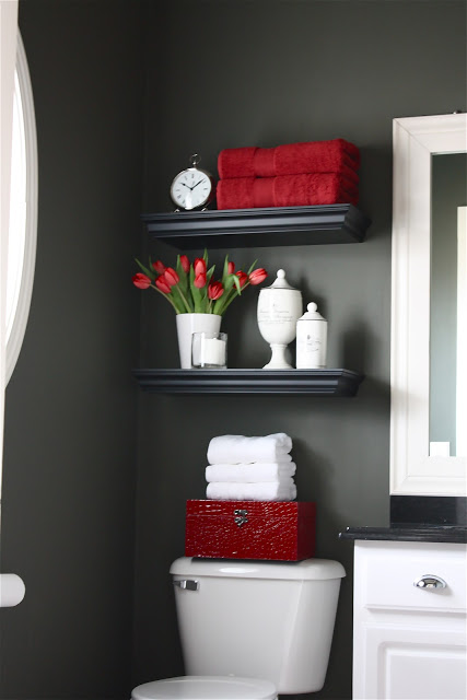 Valentines day decorating ideas–valentines day–decorating ideas–modinteriorsonline.com–red–décor tips–home décor–colleyville tx-red bathroom-red towels-bathroom decor-red accents